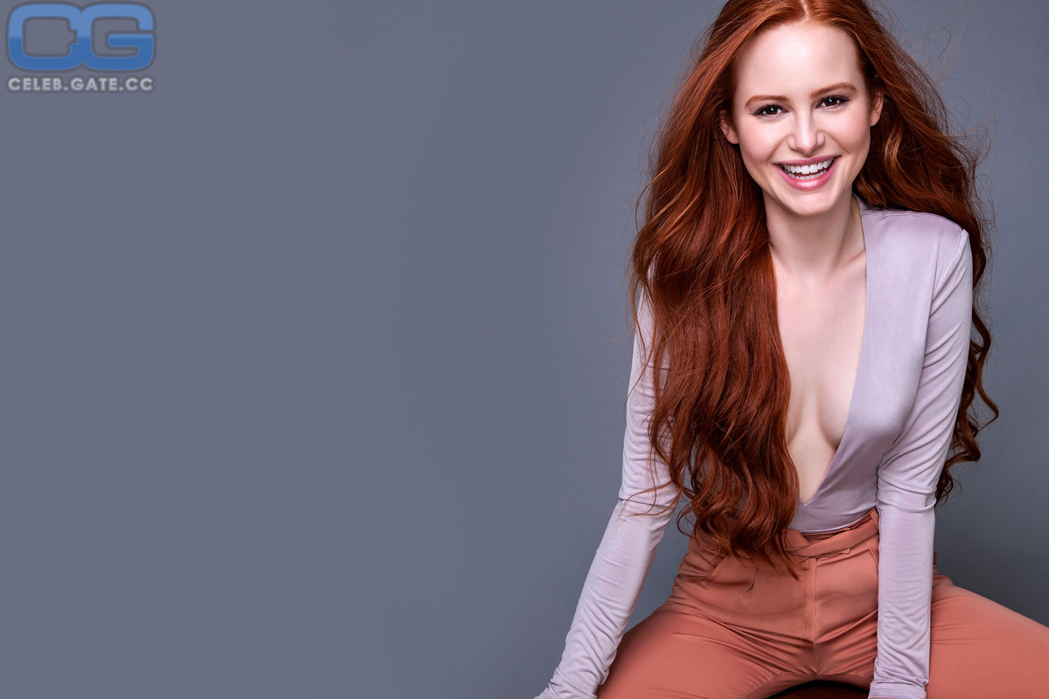 Madelaine Petsch Fappening foto 30